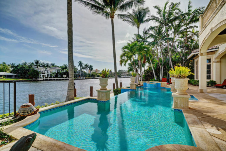 Boca Raton Homes for Sale – Waterfront Condos & Luxury Homes